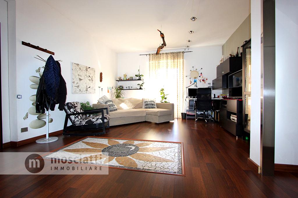 Matelica, Quartiere San Rocco, Viale Roma, vendita appartamento - 1