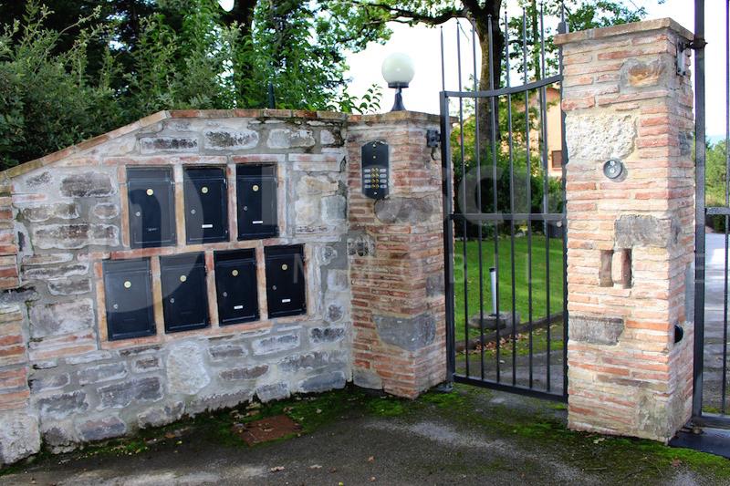 Matelica Località Collina, vendita abitazione con ingresso indipendente e giardino privato - 1