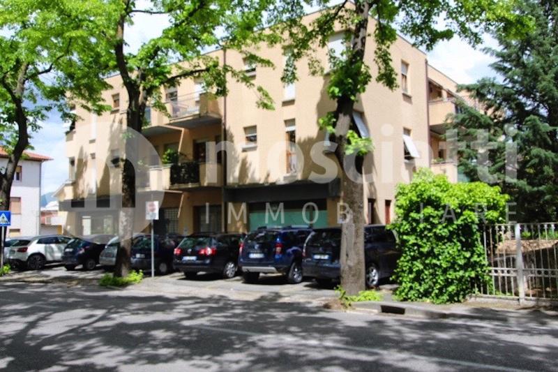 Matelica, Quartiere Regina Pacis, Viale Cesare Battisti vendita appartamento - 1