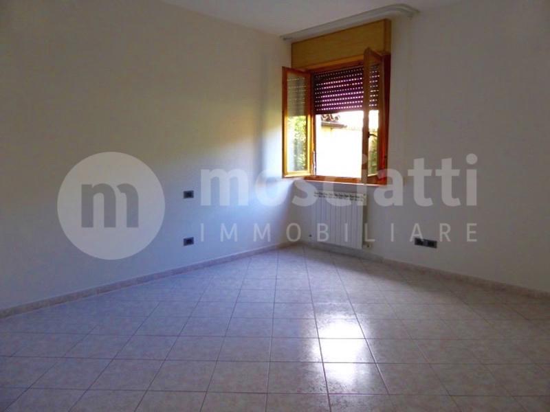 Matelica vendita appartamento con ingresso indipendente Via Circonvallazione - 1