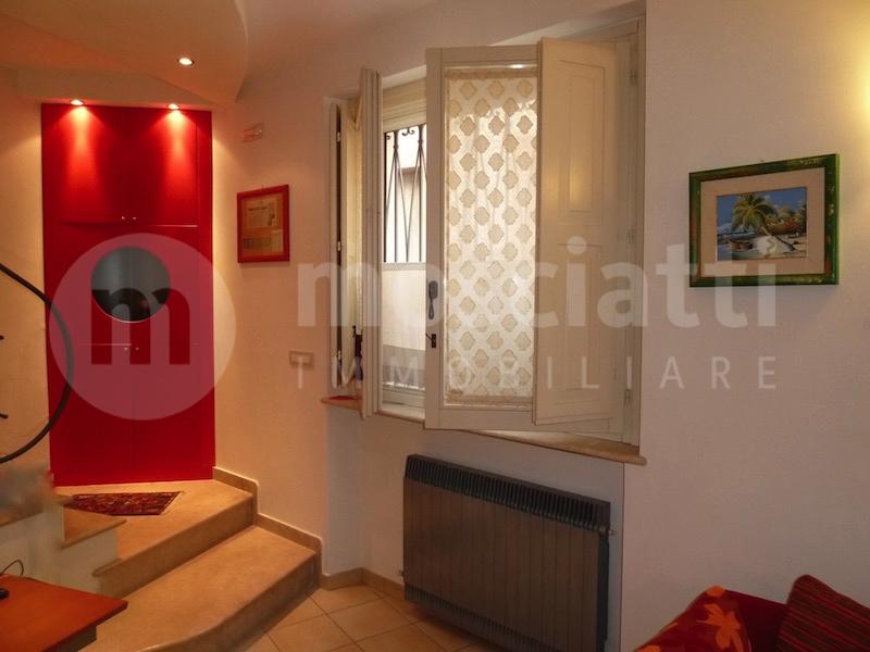 Matelica, Centro Storico, Via Venezian, vendita appartamento ingresso indipendente - 1