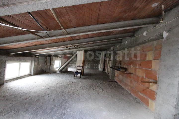 Castelraimondo, vendita casa singola in Viale Europa - 1