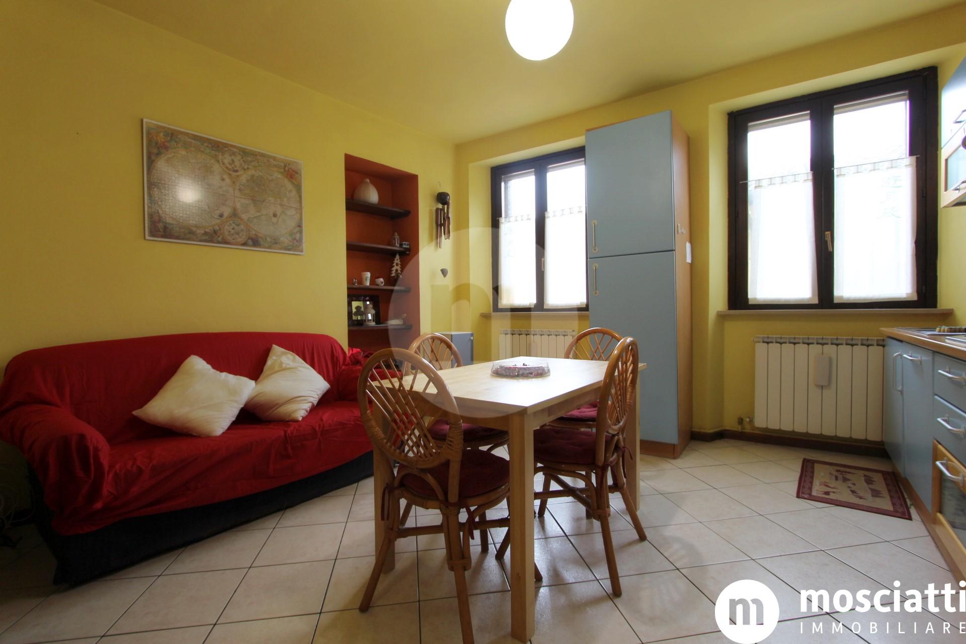 Matelica, Centro Storico in  Vicolo Gesseria, vendesi appartamentino al piano secondo - 1