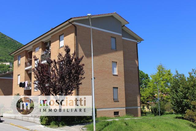 Esanatoglia, Via Guido Rossa, vendita appartamento - 1