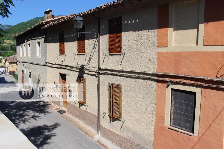 Matelica, vendita appartamento piano terra, frazione Braccano - 1