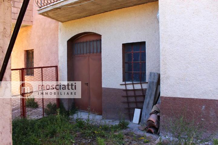 Matelica, vendita appartamento piano primo, frazione Braccano - 1