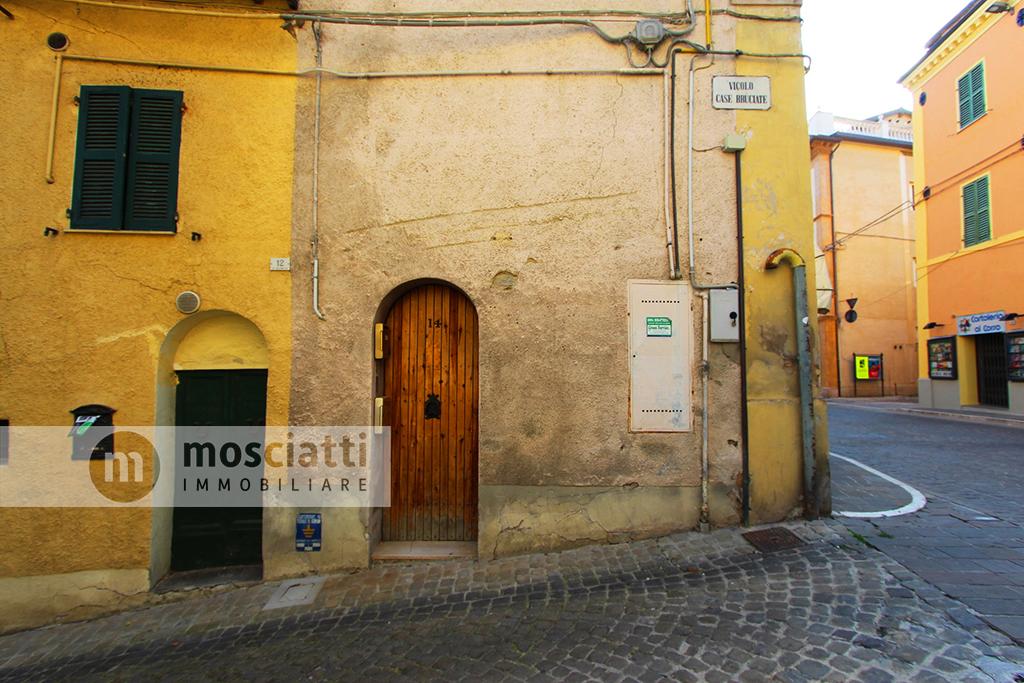 Matelica, Corso Vittorio Emanuele, vendita abitazione su due piani - 1