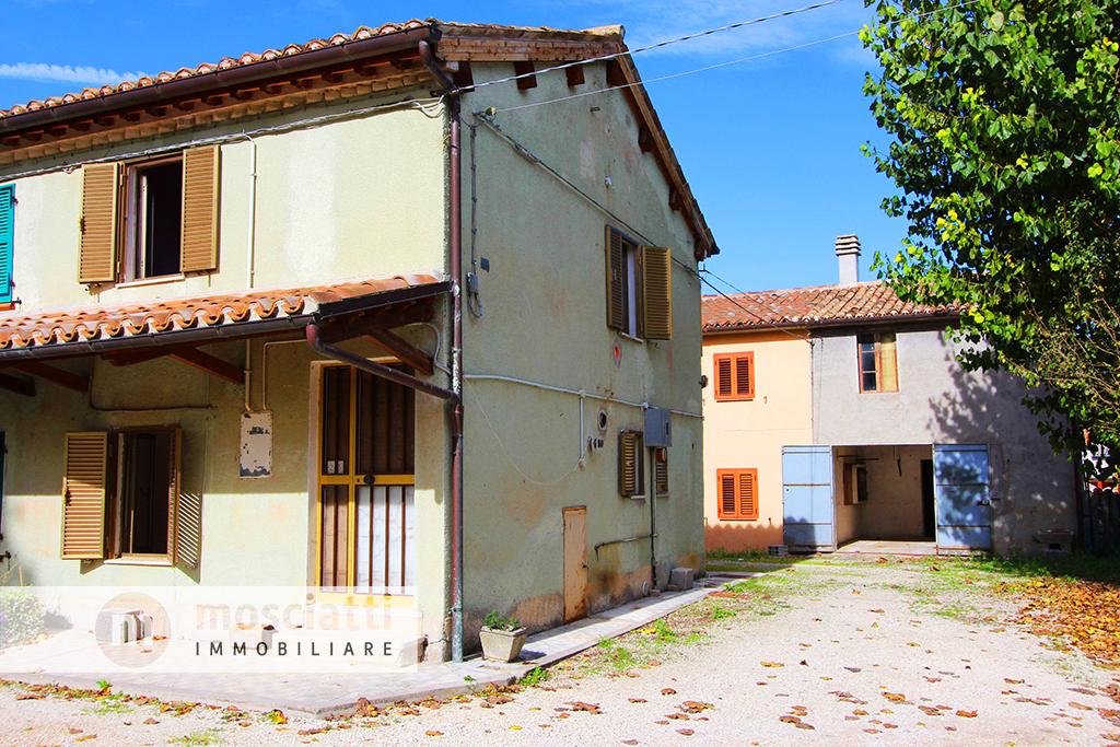 Matelica, vendiamo abitazione terra-tetto e fabbricato annesso, Località Cecca - 1