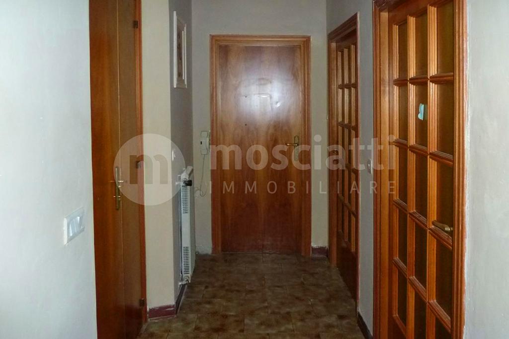 MATELICA, Quartiere Regina Pacis, Viale Kennedy, vendita APPARTAMENTO piano primo cod - 1