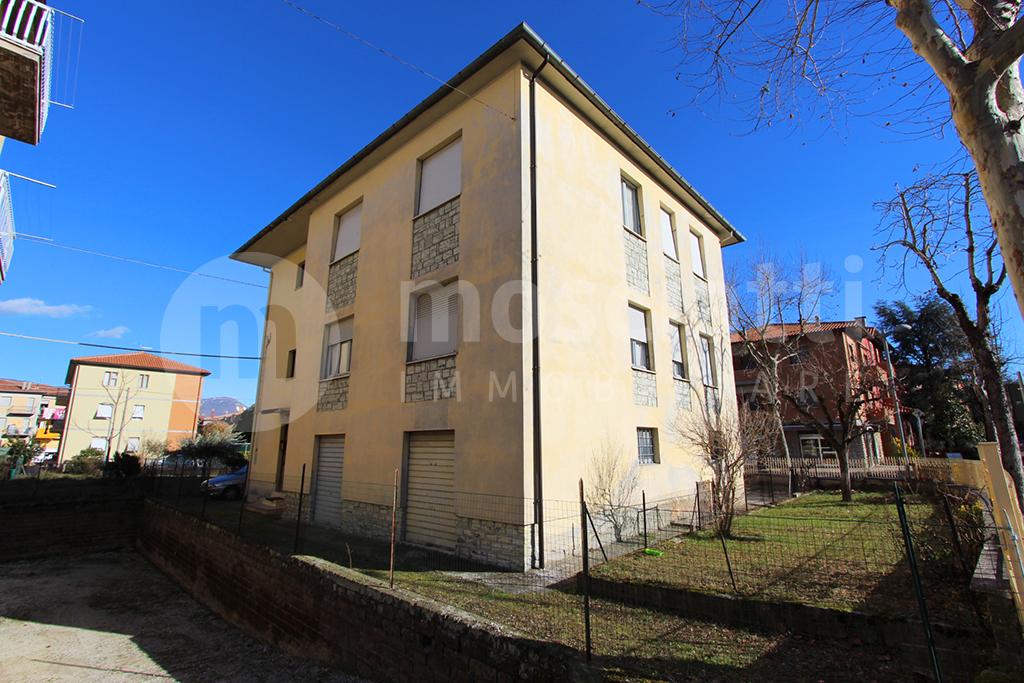 Matelica, Quartiere Regina Pacis, Viale Kennedy, vendita appartamento piano primo - 1