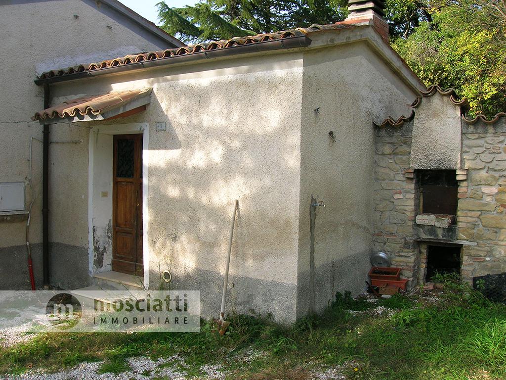 Gagliole, località Castellano, vendita rustico con terreno - 1
