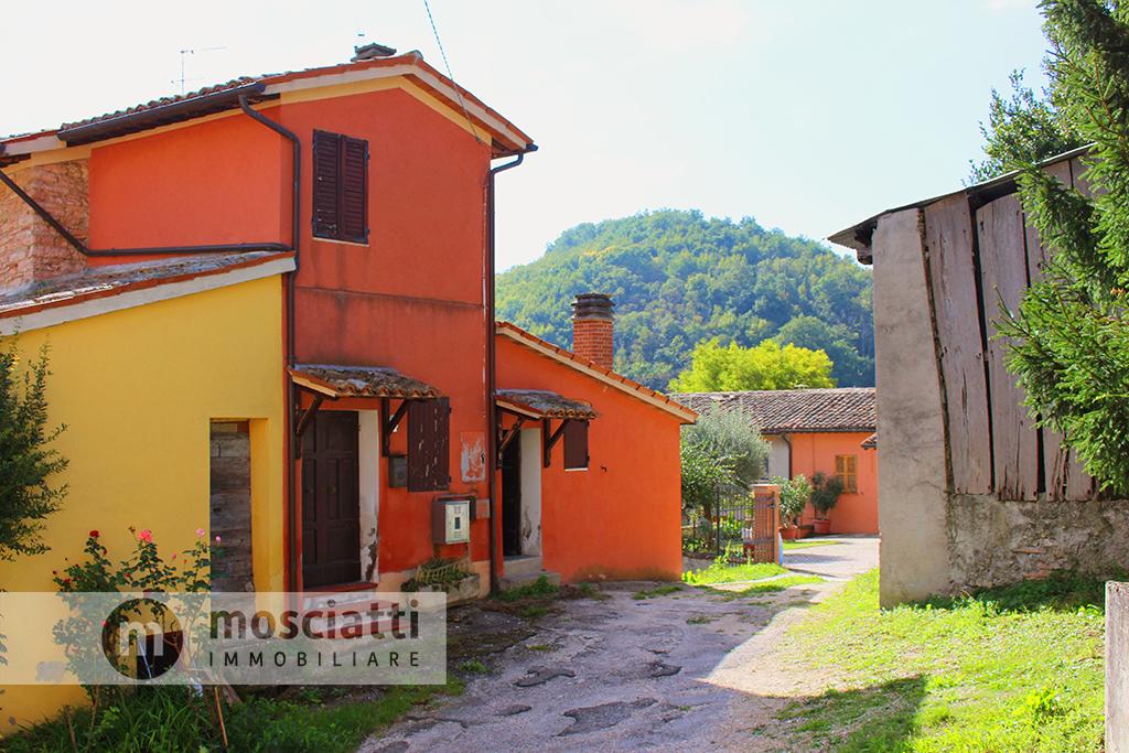 Matelica, Frazione Rastia, vendita due abitazioni - 1