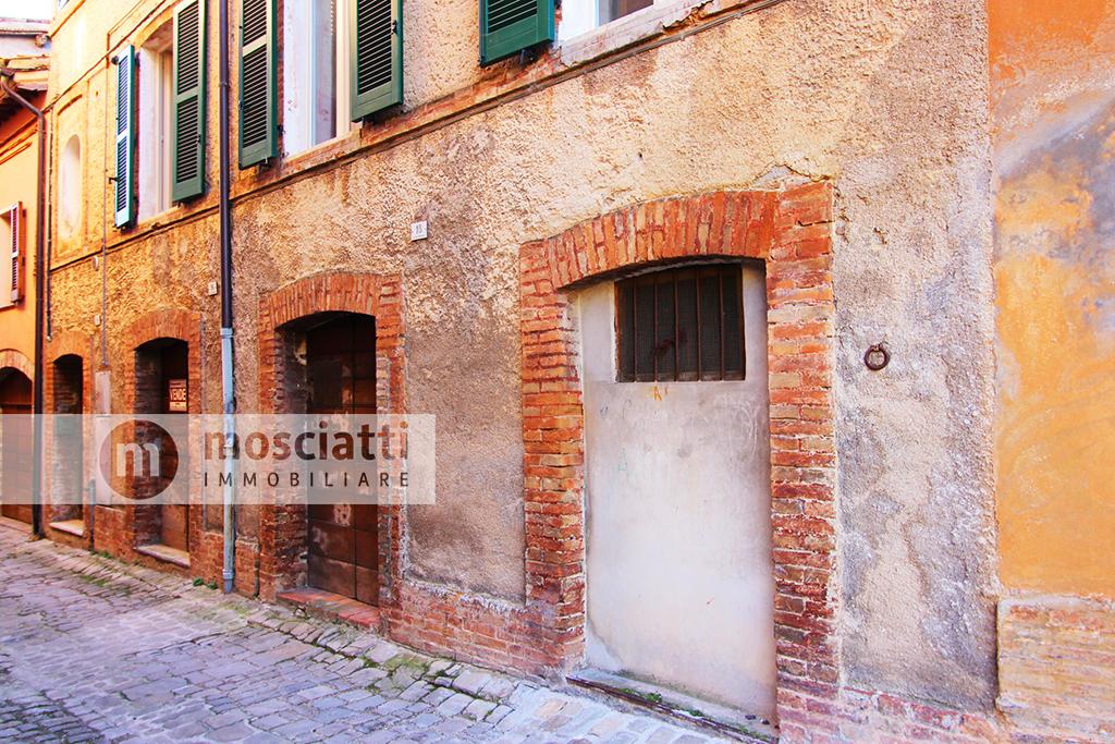 Matelica, centro storico, vendita intera proprietà, Vicolo Gregorio - 1