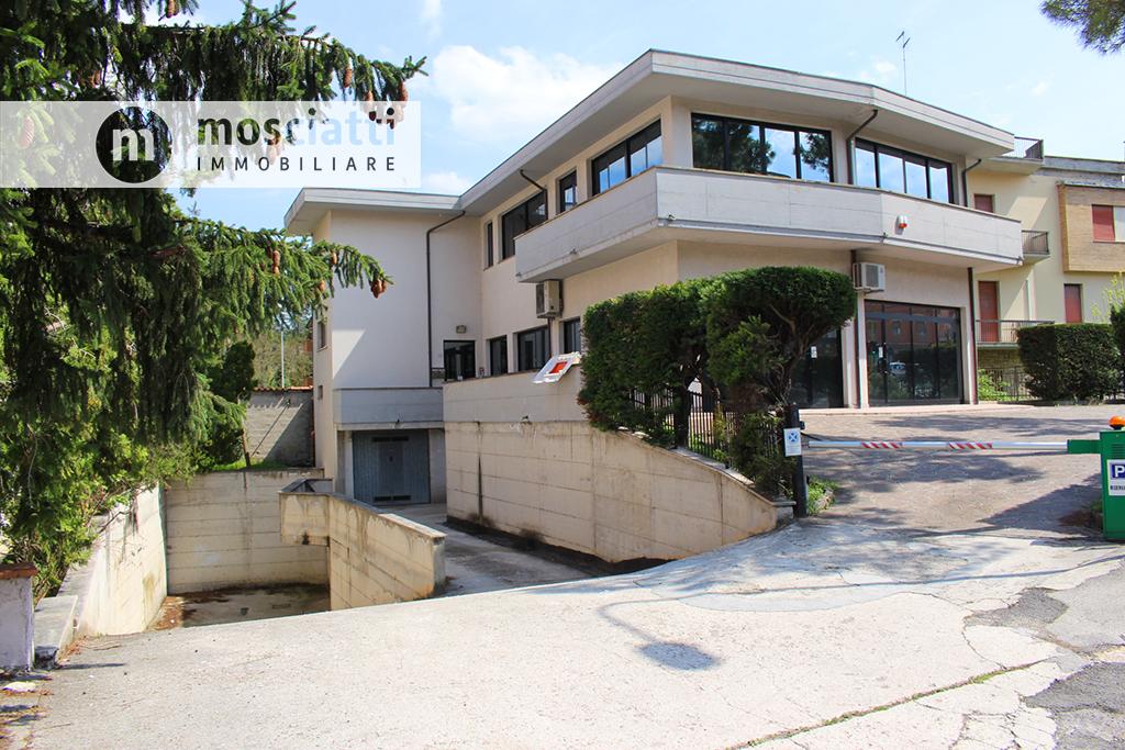 Matelica, Via Circonvallazione, vendesi garage - 1