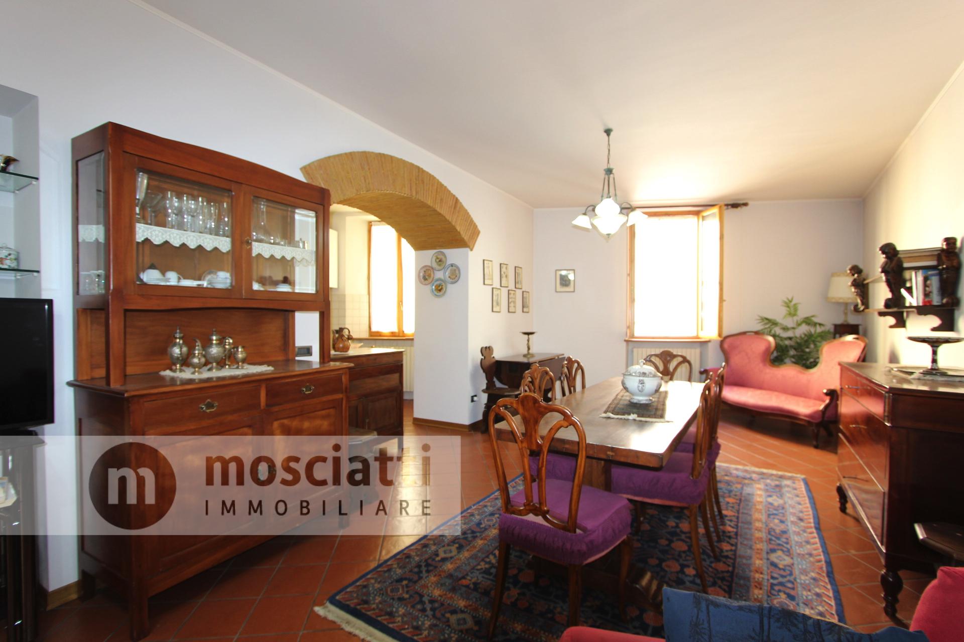 Matelica, vendiamo appartamento con garage, Via Boldrini - 1