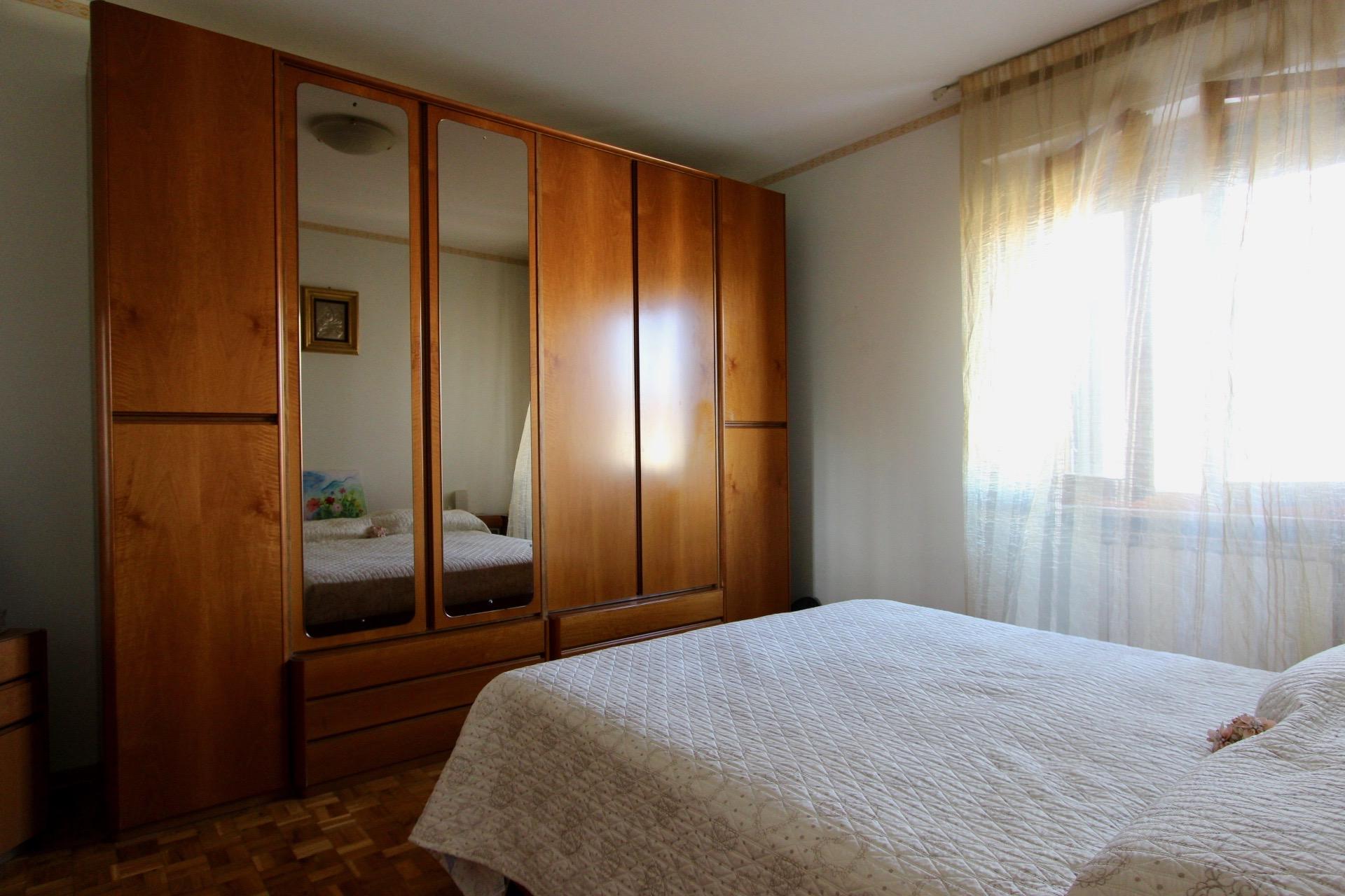 Castelraimondo, vendita appartamento con ingresso ind. Via D'Annunzio, - 1