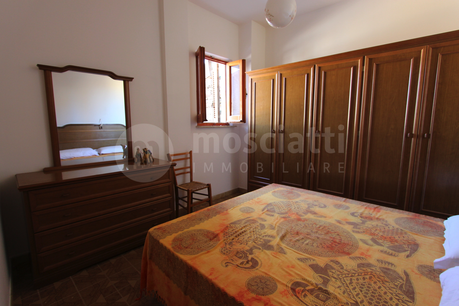 Matelica, Centro Storico in Largo Torrione, vendesi abitazione terra-tetto - 1