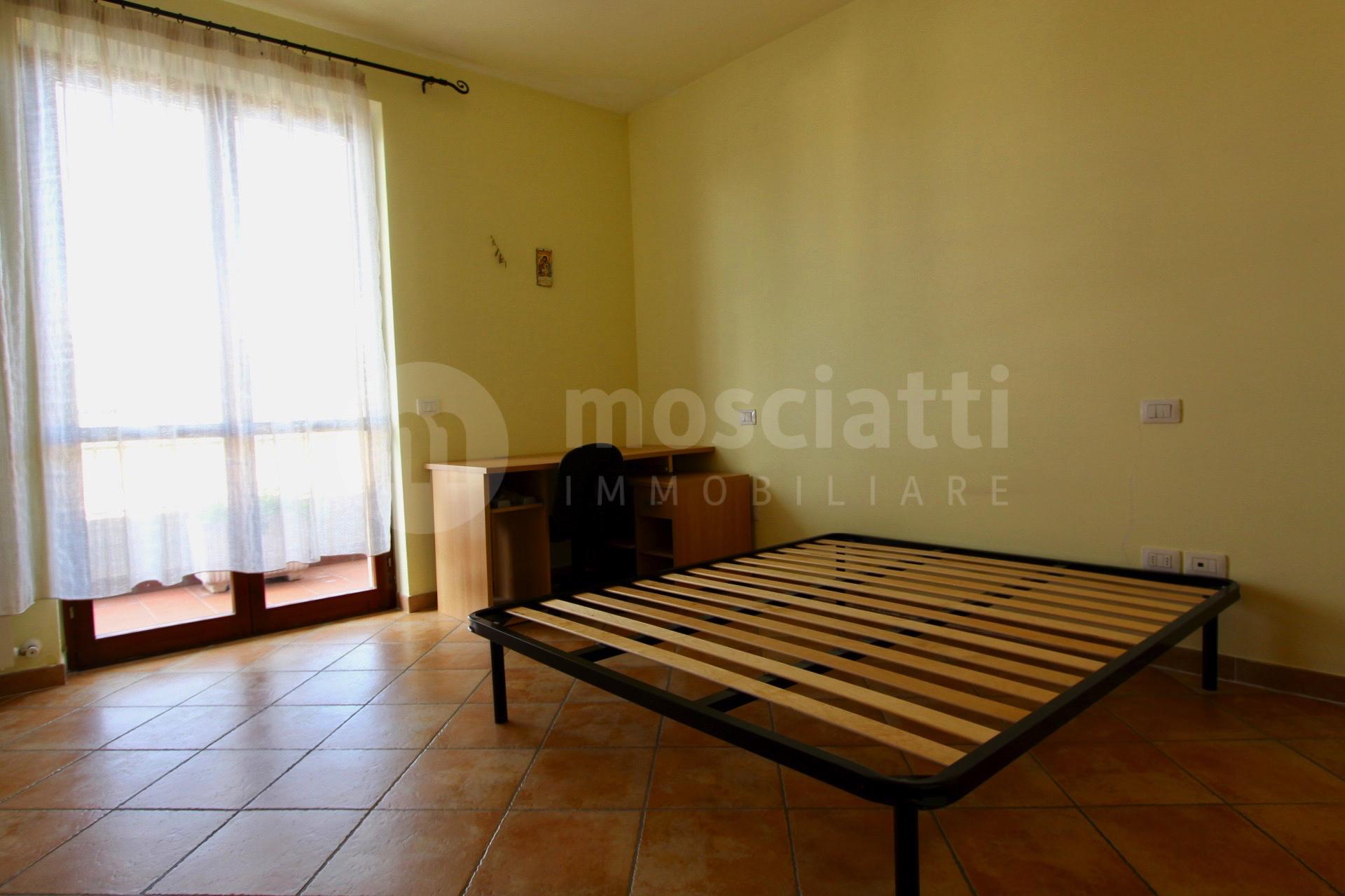 Castelraimondo Via Salvo D'Acquisto, vendesi appartamentino - 1