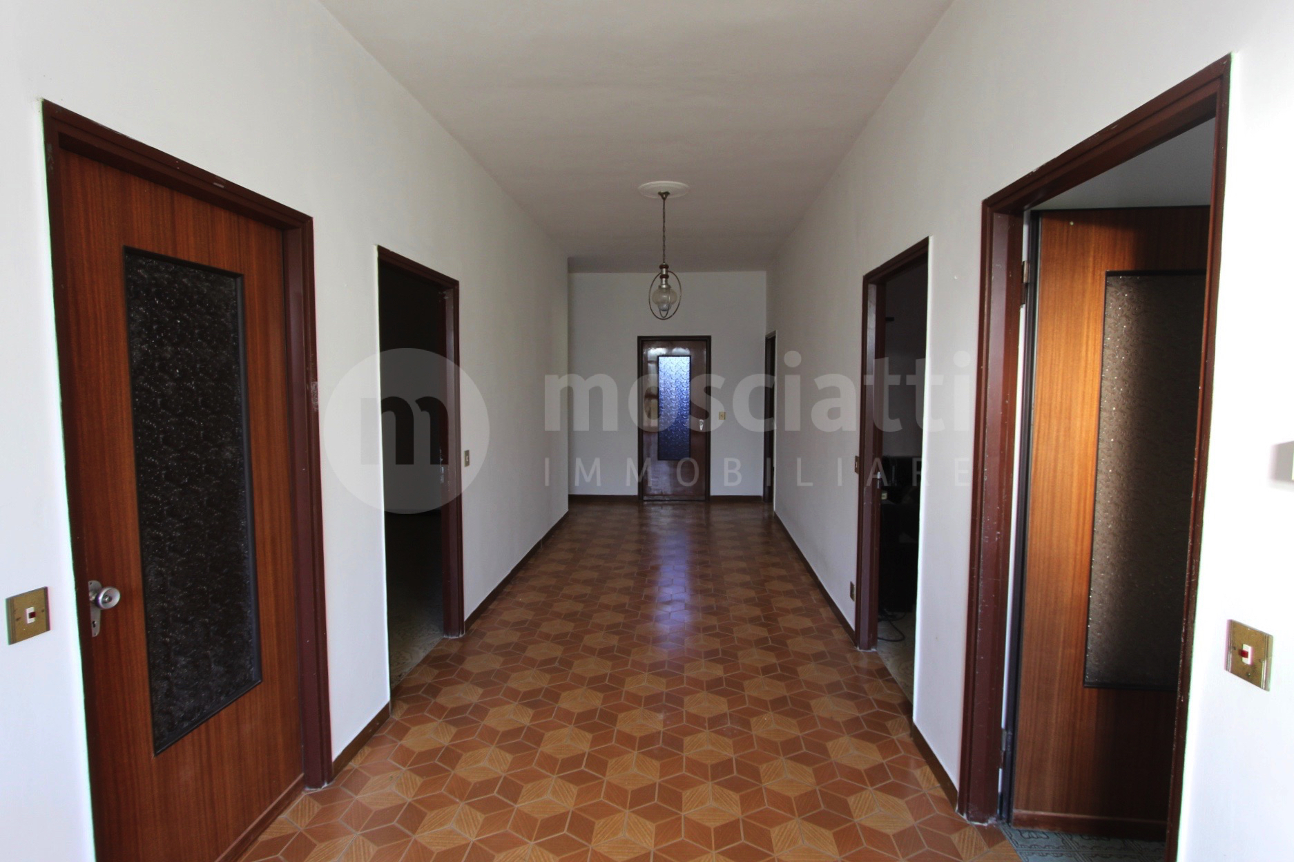 Poggio San Vicino Contrada Serronchia, vendesi abitazione e terreno agricolo - 1