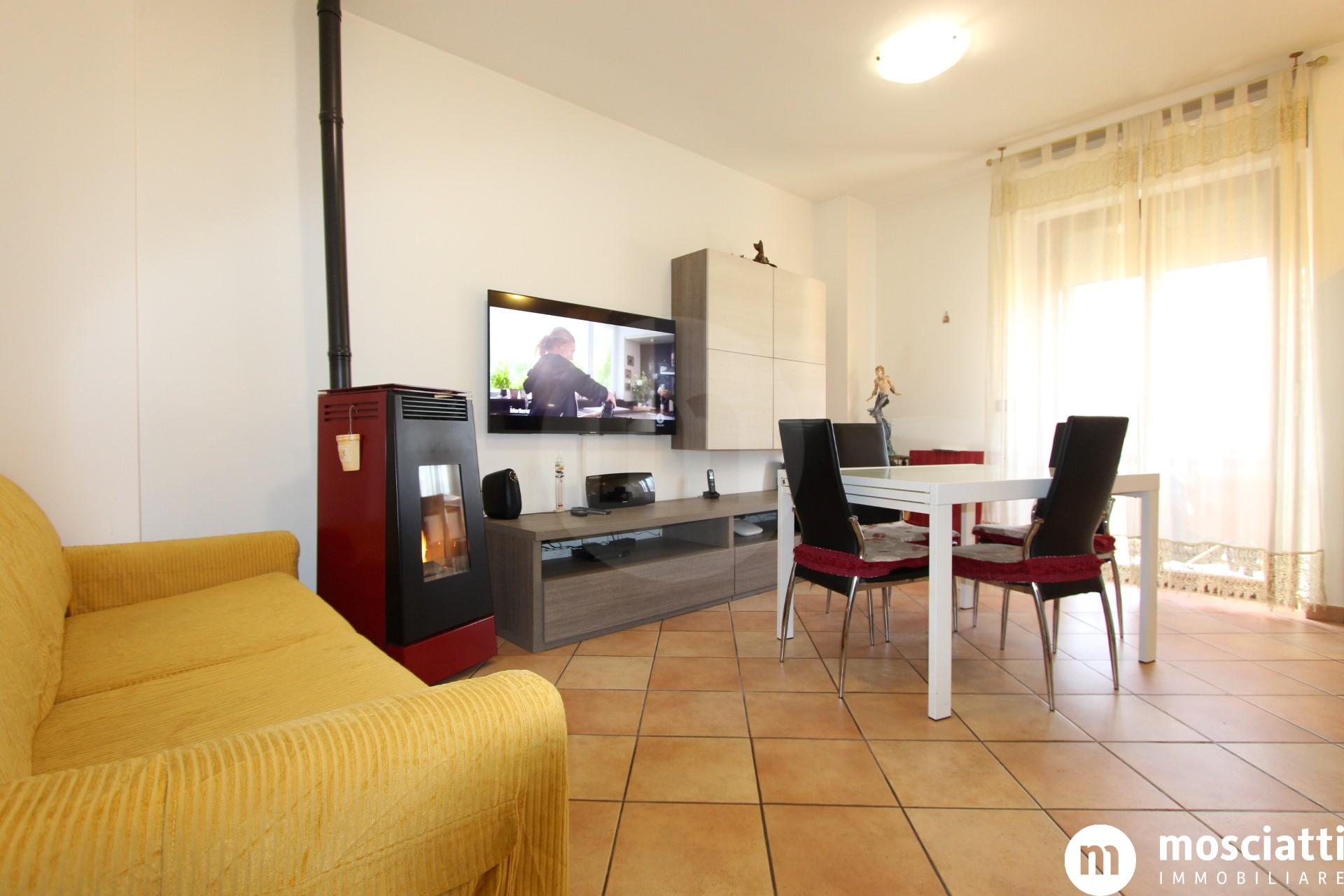 Castelraimondo Via Carlo Levi, vendesi abitazione - 1