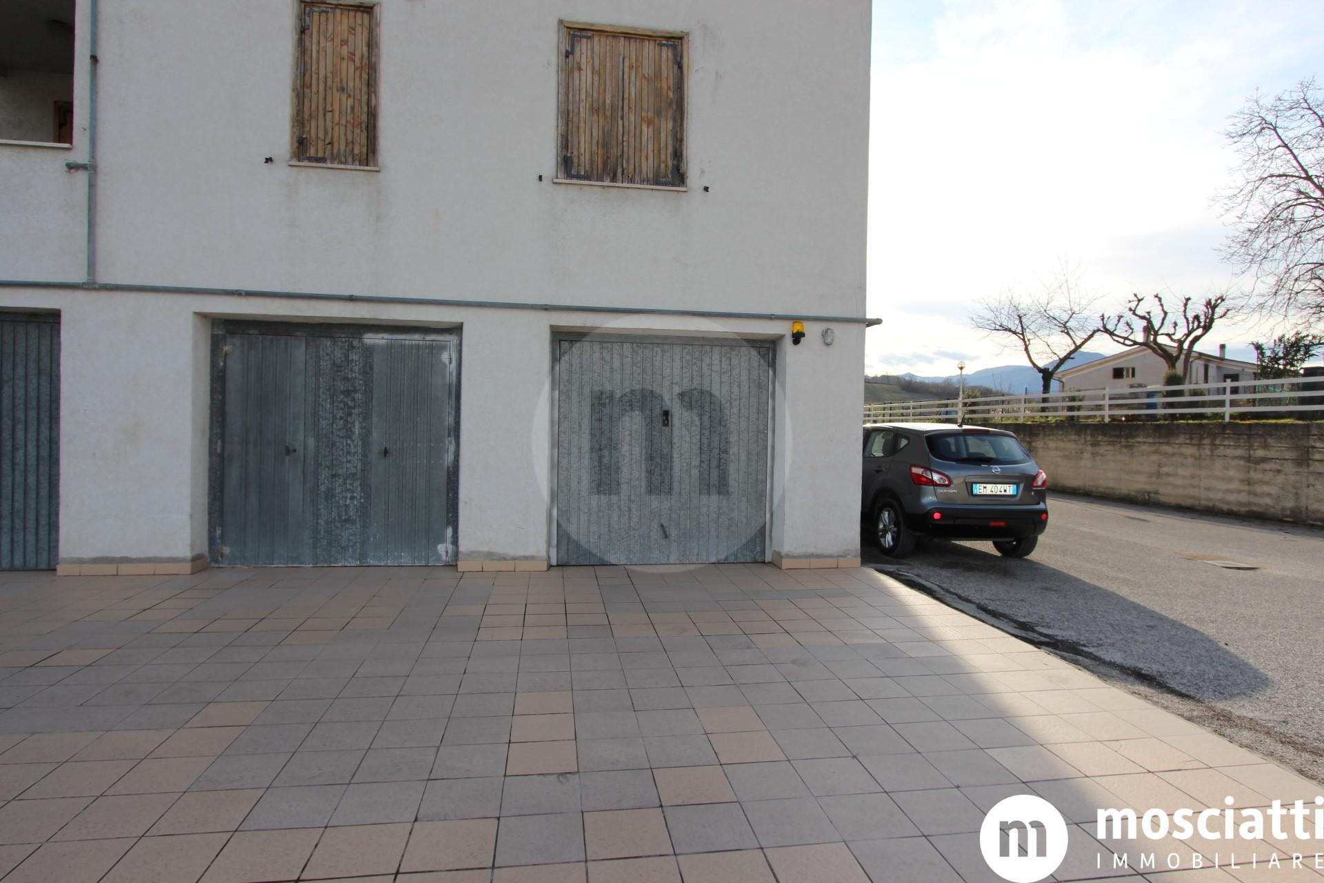 Matelica in Via Nuzi, vendiamo appartamento con vista panoramica - 1