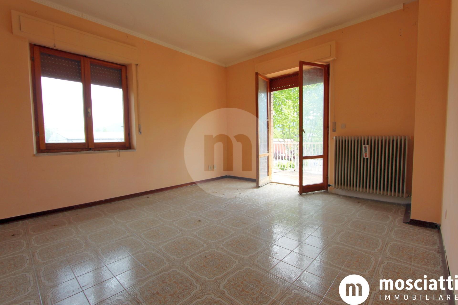 Matelica, Quartiere San Rocco, in Via Raffaello vendesi appartamento - 1