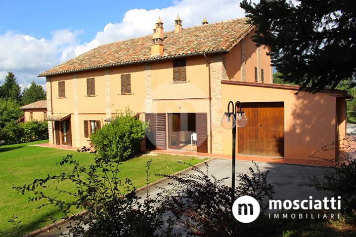 Matelica Località Collina, vendita abitazione con ingresso indipendente e giardino condominiale - 1