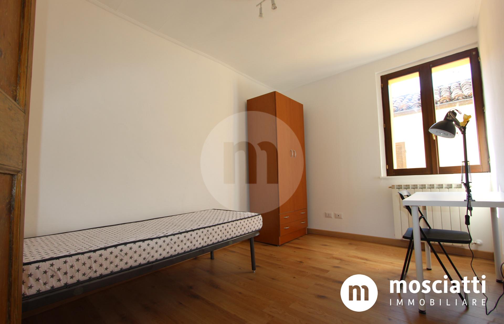 Matelica, Centro Storico in Vicolo Archetto, vendesi appartamentino - 1