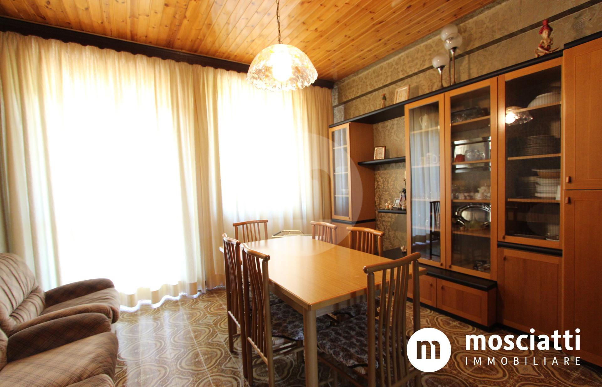 Matelica, Via Madonna dei Pantani, vendesi appartamento piano primo - 1