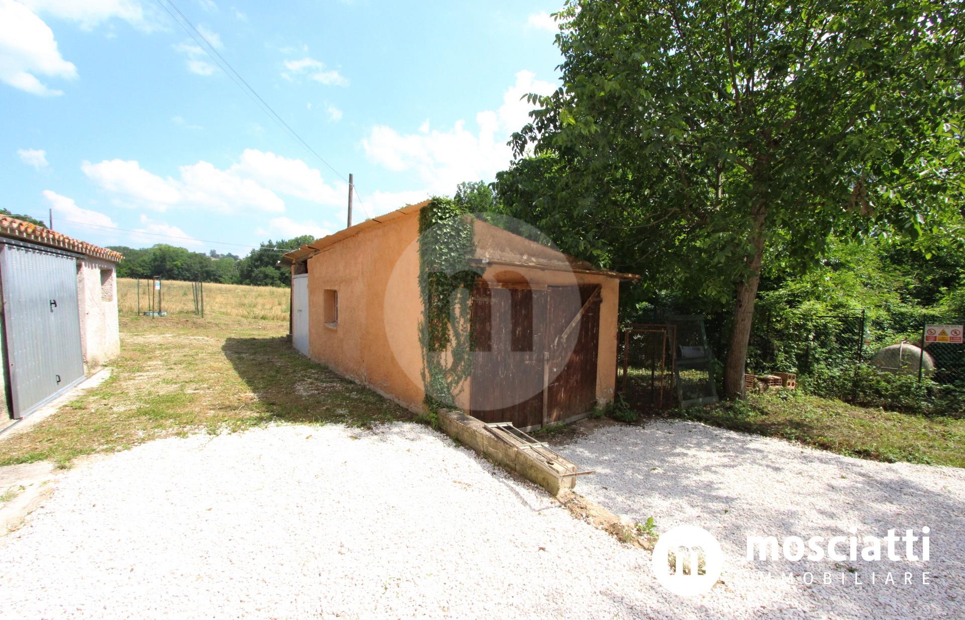 Matelica, Località Fonticelle, vendesi abitazione con ingresso indipendente e giardino - 1