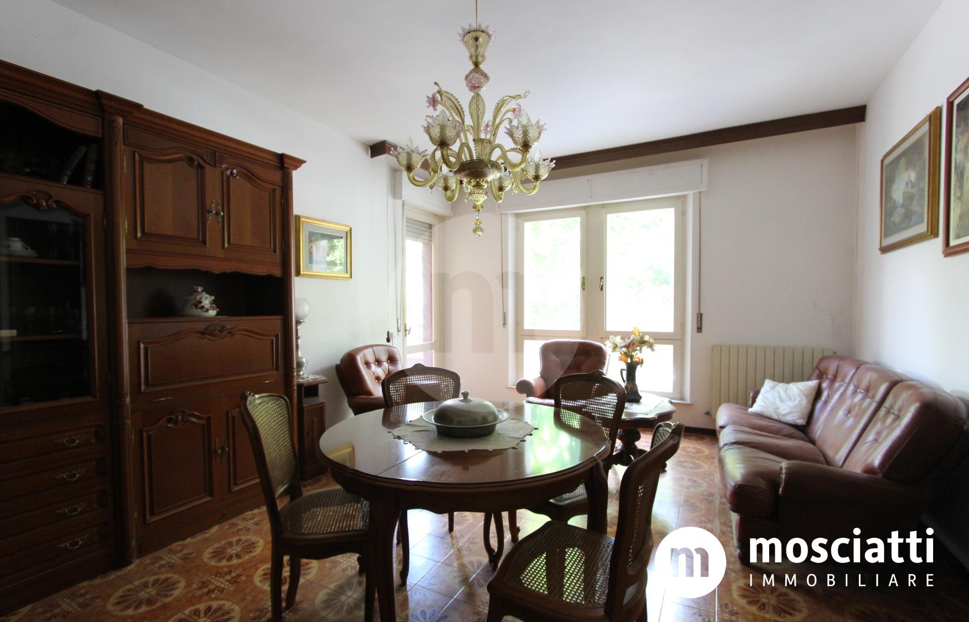 Matelica, Viale Europa, vendesi abitazione e garage - 1