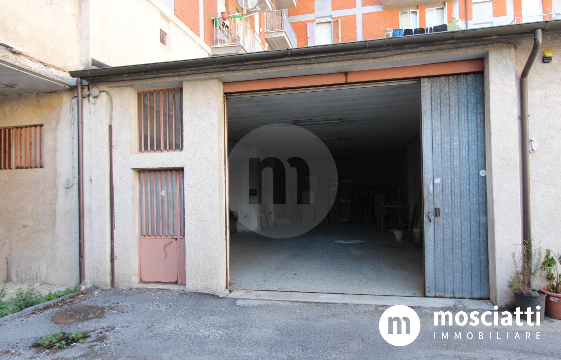 MATELICA, Via Madonna dei Pantani, vendesi GARAGE cod - 1