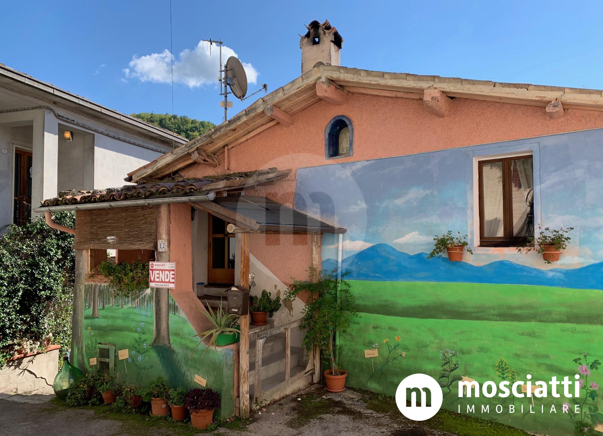 Matelica, Frazione Braccano, vendesi abitazione con ingresso indipendente - 1