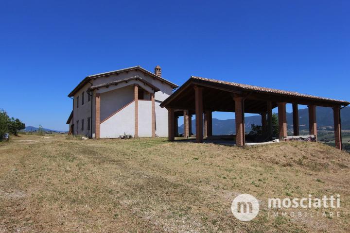 MATELICA, vicina campagna, vendesi CASOLARE con giardino cod - 1