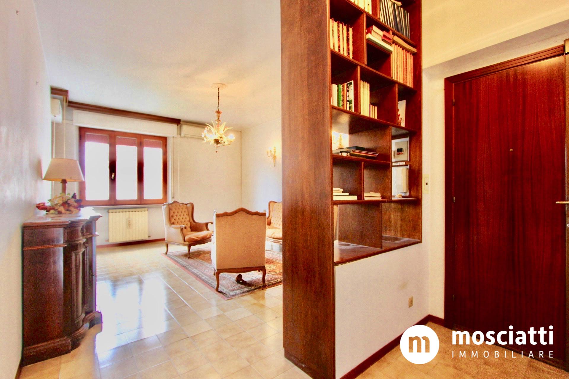 MATELICA, Quartiere San Rocco, Via Beato Angelico, vendesi APPARTAMENTO su due livelli cod - 1